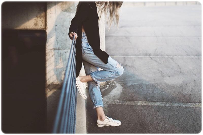 靴 スニーカー 女性